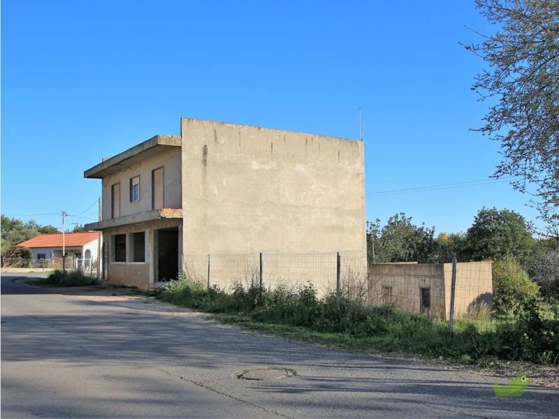 Lote-de-Terreno-com-2000m2-com-190m2-a-venda-em-São Brás de Alportel-Algarve