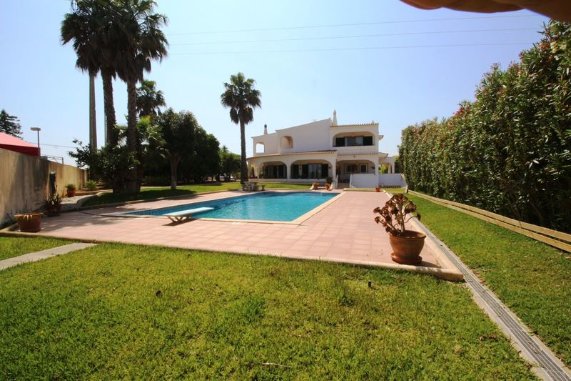 4 bedroom 342 m² House with swimming pool for sale in Lagoa, Algarve