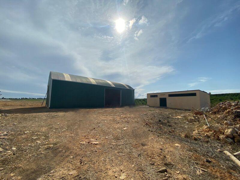 8 bedroom102500 m²  Land plot in Olhão