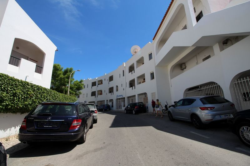 1-bedroom-72m2-Apartment-with-swimming-pool-for-sale-in-Albufeira-Algarve