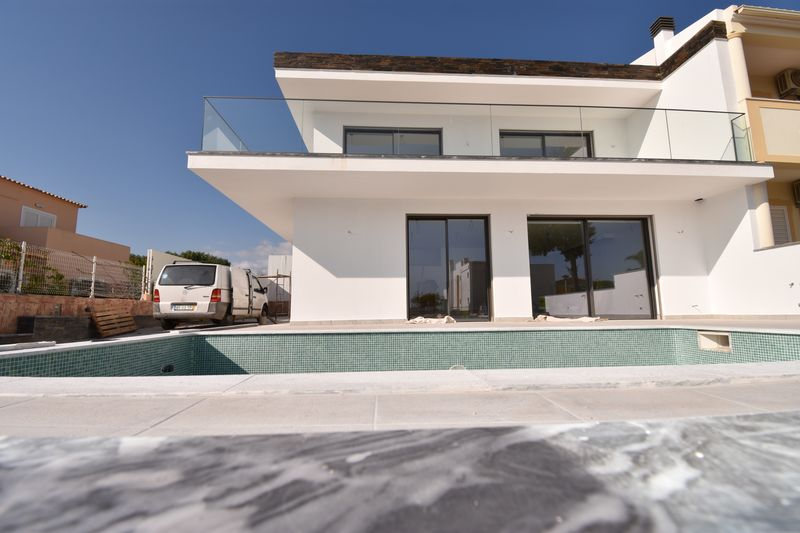 3-bedroom4959m2-254m2-House-with-swimming-pool-for-sale-in-Silves-Algarve