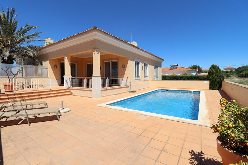 4-bedroom-251m2-House-with-swimming-pool-for-sale-in-Albufeira-Algarve