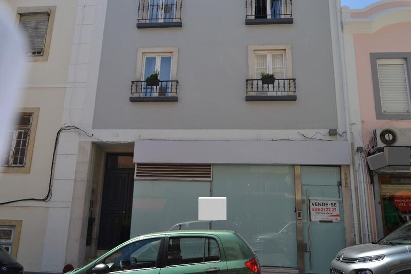 Shop with basement Oeiras - storefront