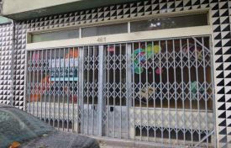 Loja Bonfim Porto - bons acessos, arrecadação, montra