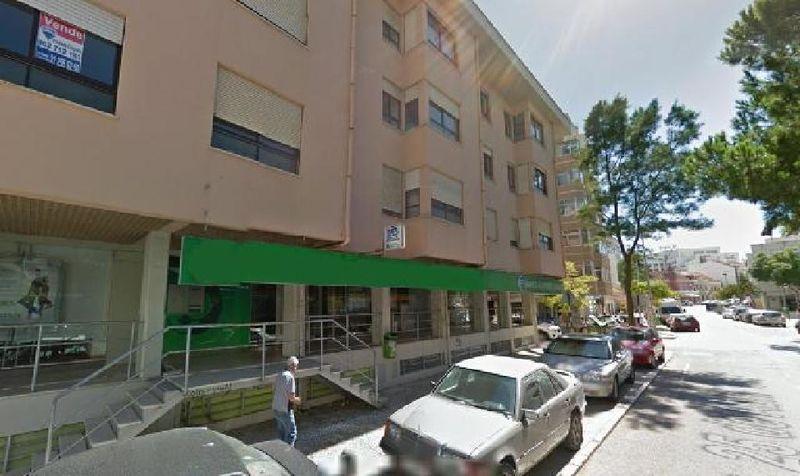 Garagem com 13m2 Costa da Caparica Almada - bons acessos, arrumos