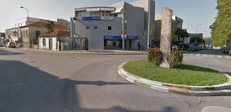 Loja nova no centro Grijó Vila Nova de Gaia - espaço amplo, wc, 2 frentes