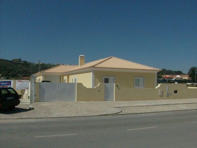 Moradia Térrea V5 Palmela - garagem, piscina