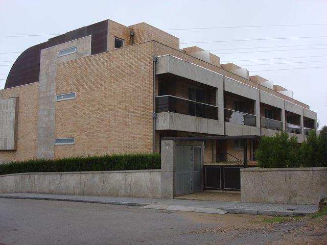 Moradia em banda V4 Vila Nova de Gaia - varandas, garagem, terraços, aquecimento central, ar condicionado