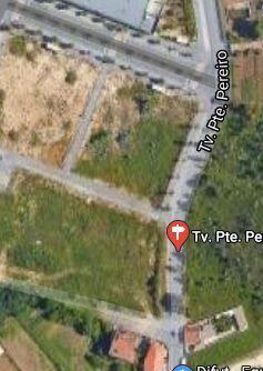 Land with 351.50sqm Charneca de Caparica Almada - nice location, easy access