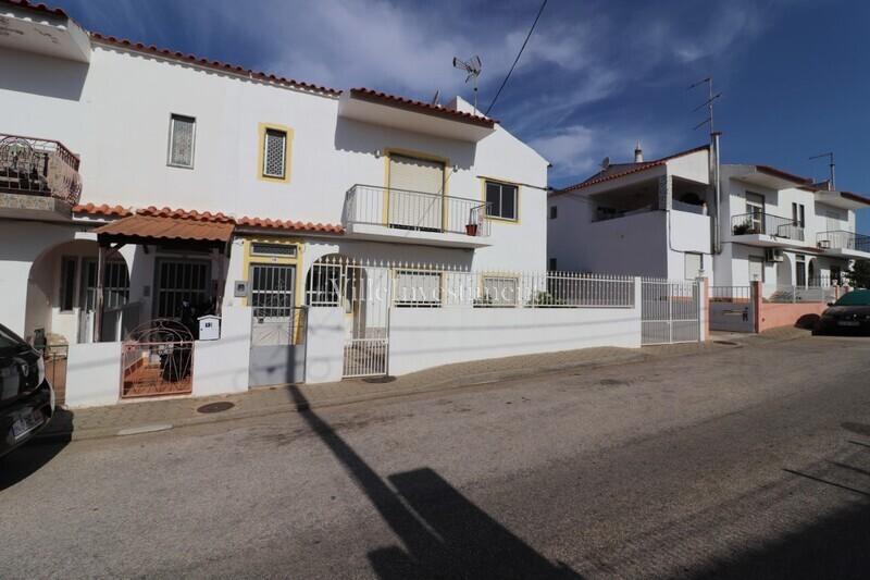Apartamento T2+1 Remodelado no centro Tunes Silves - sótão, varanda, vidros duplos, 1º andar