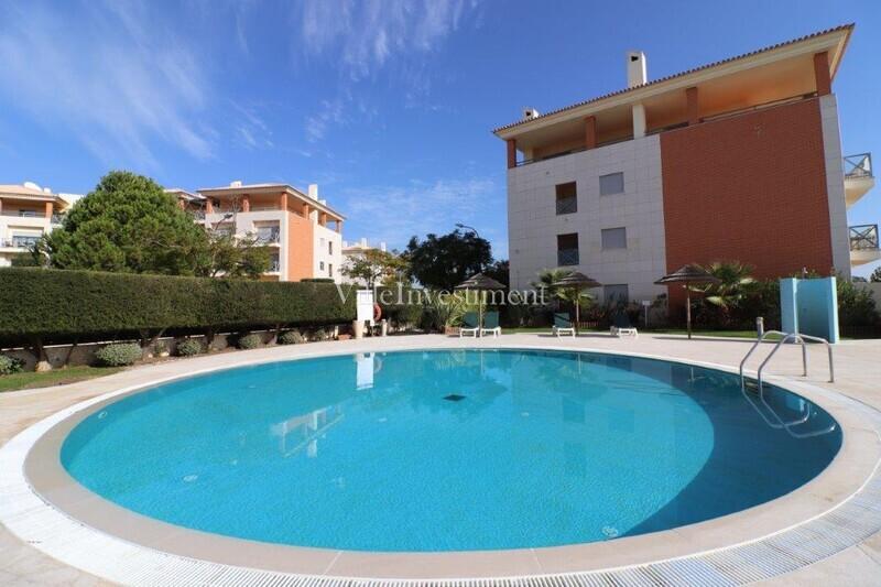 Apartamento T2 Corcovada Albufeira - arrecadação, garagem, jardins, terraços, equipado, condomínio privado, ar condicionado, piscina