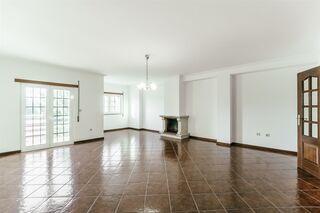 -611191112_apartamento-t3-belmonte-belmonte_7_1_1191112_14951518_2_1_jwSPu4tDlx6tRDGCPiCnFRV0EEMXZqAC8QwGD1B2HRnEB8h4ZPpqcw__.jpg