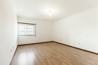 -611191112_apartamento-t3-belmonte-belmonte_7_1_1191112_14951526_2_1_3ecsusiP7B0j4txAHFrrXhYrMfTtHNy0urK4nIlq2yrEB8h4ZPpqcw__.jpg