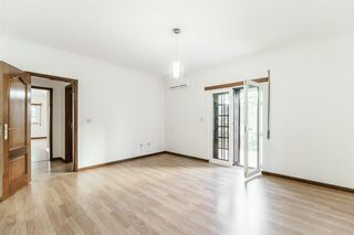 -611191112_apartamento-t3-belmonte-belmonte_7_1_1191112_14951560_2_1_RFmbZT7SMLiOhfs0rhH8CVGe_2fn15iO5973WHd8_0SYbEB8h4ZPpqcw__.jpg