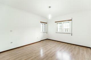 -611191112_apartamento-t3-belmonte-belmonte_7_1_1191112_14951567_2_1_EkkbMLClcK1NII6N8QAuWMGWz87y_2fYPwPbnz1zOKYeLEB8h4ZPpqcw__.jpg
