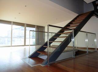 Apartamento Triplex T2 Portimão - Vale Lagar - condomínio privado, varandas, piscina, garagem, cozinha equipada