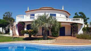 Vivenda V4 Praia da Luz Lagos - jardim, cozinha equipada, piscina, piso radiante, garagem