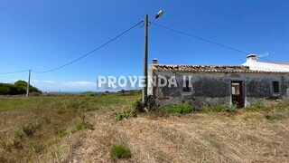 Farm 3 bedrooms to recover Pero Vicente Rogil Aljezur - electricity, water