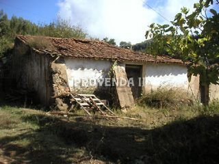 Land with 101sqm Passil Marmelete Monchique - electricity, water