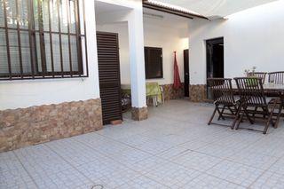 Moradia V4 Marim Olhão - varandas, garagem, quintal, bbq