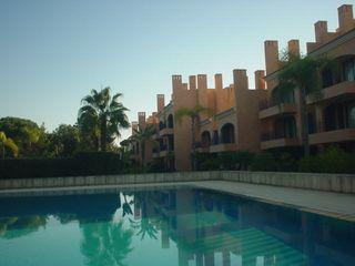 Apartamento T2 Quarteira Loulé - mobilado, terraço, jardim, lareira, piscina, equipado, r/c, varandas