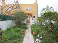 Moradia junto ao centro V4 para venda Caldas da Rainha Santo Onofre - terraço, garagem, varanda, cozinha equipada, aquecimento central, excelente localização, jardim, lareira, bbq
