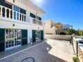 Para venda Moradia V3+1 perto da praia Torraltinha São Gonçalo de Lagos - excelente localização, bbq, garagem, terraço, varandas