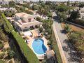 Moradia V4 à venda Mato Serrão Carvoeiro Lagoa (Algarve) - terraços, garagem, piscina
