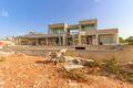 Moradia em construção V4 à venda Lagoa Vila Nova de Famalicão - piso radiante, piscina, jardim, lareira, vista mar, garagem, ar condicionado