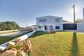 Moradia V5 para venda Loulé - jardim, rega automática, ar condicionado, salamandra, painéis solares, terraço, zona calma, chão radiante, vista campo, piscina, portão automático